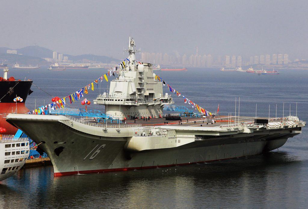 Con sus nuevos portaaviones, la Armada China será capaz de reforzar sus capacidades A2D2 en el Mar de China, limitando así la capacidad de despliegue de los EE. UU. en apoyo de sus socios. Foto - Televisión Central de China