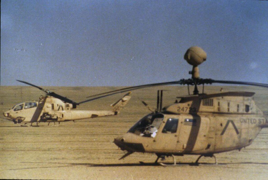 """Helicópteros OH-58 Kiowa y AH-1F Cobra del """"Segundo de Caballería"""" en febrero de 1991"""