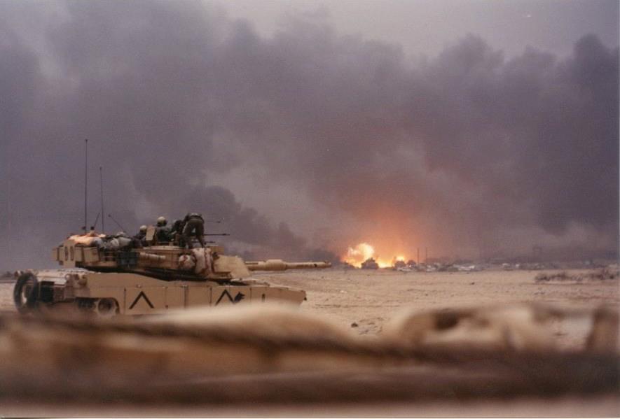 McMaster destruyó el MTLB irakí, en movimiento, con un proyectil HEAT a 2000 m, utilizando la cámara térmica del carro. Fue un impacto al primer disparo
