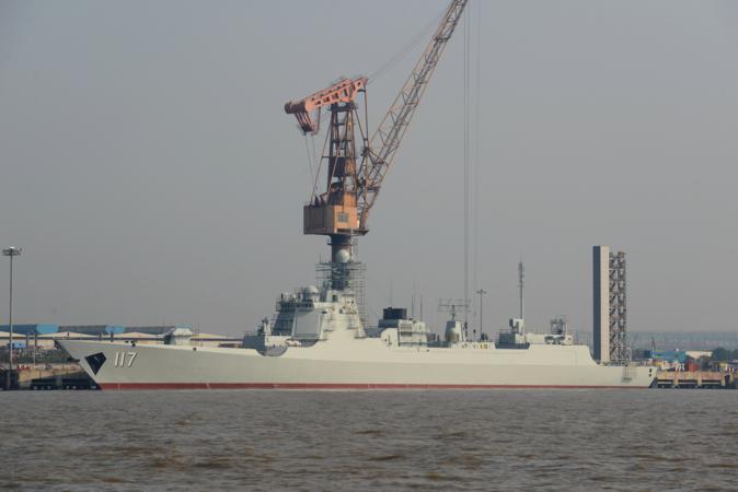 Destructor 052D de la PLAN. China está conformando una armada balanceada con una clara vocación oceánica