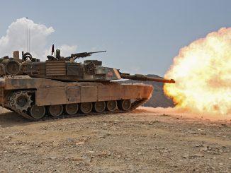 Carro de Combate M1A1 Abrams disparando durante unas maniobras con fuego real en Djibuti