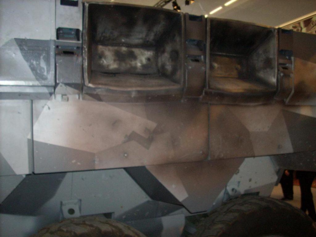 """Módulos activados del sistema """"AMAP-ADS"""" colocado en el blindado """"SEP"""" 8x8 sueco"""