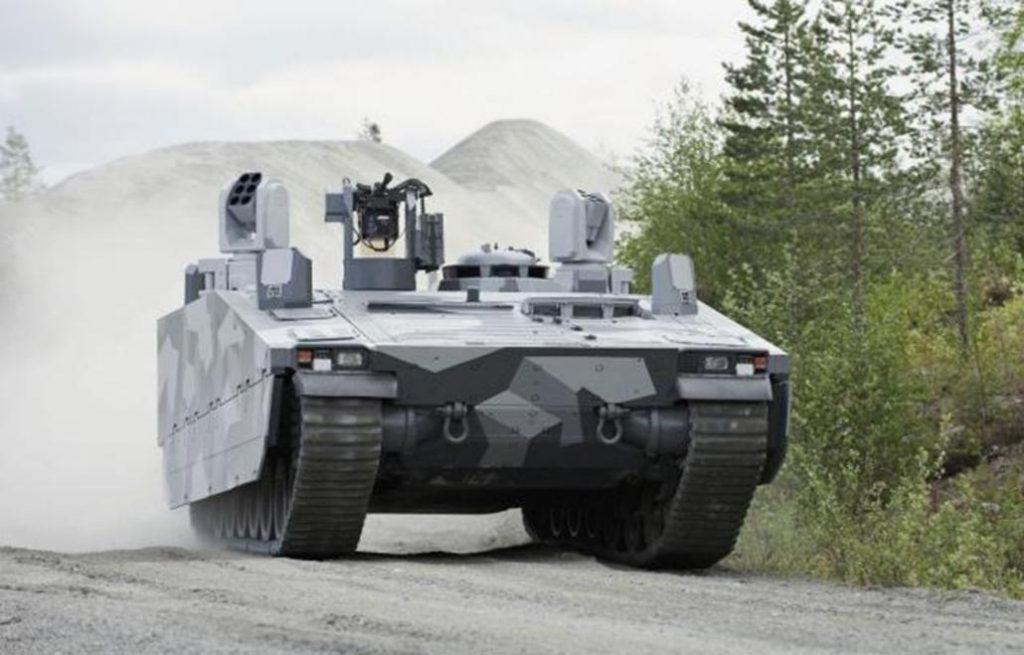 """CV90 """"Armadillo"""" con el sistema """"LEDS 150"""""""