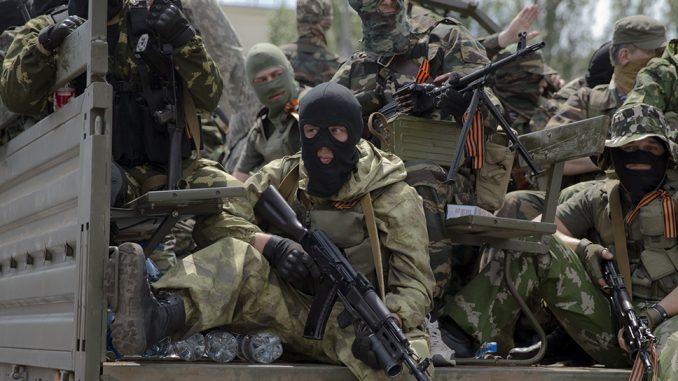 Combatientes pro-rusos en el Donbáss