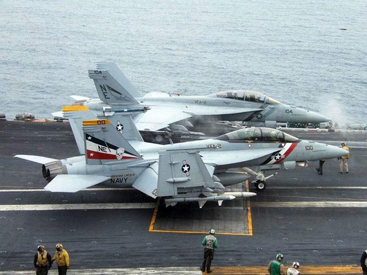 F-18_ (24)